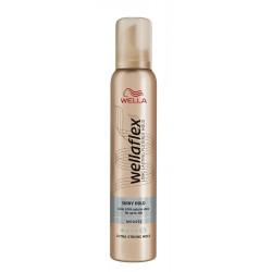 Wella Wellaflex Shiny Hold - pianka do układania włosów Ultra Strong Hold 5/5, poj. 200 ml